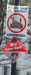 Rechte Landtagswahlkampf-Plakate an der Ruhrallee